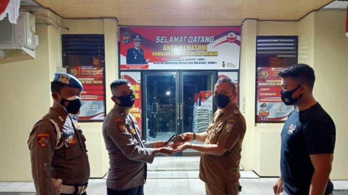 Polres Pringsewu Lampung Menerima Penyerahan Senpi Rakitan dan Amunisi dari Warga