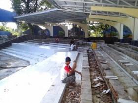 Pasar Seni Enggal: Atap Tribun Baru Dipasang Kini Sudah Bocor