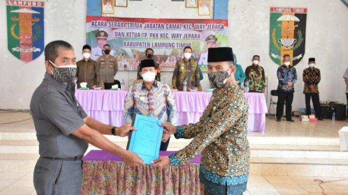 Mustajab Jabat Plt Camat Way Jepara, Wabup Lampung Timur Beri Pesan