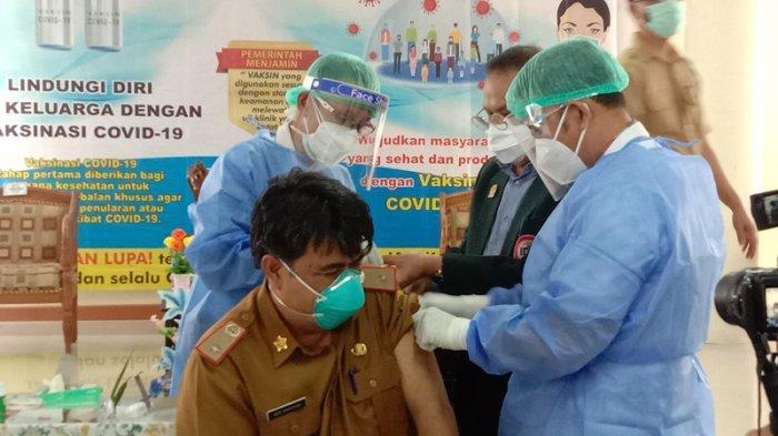 Seusai Disuntik Vaksin Covid-19, Sekkab Pringsewu Imbau Masyarakat Tak Khawatir Divaksin
