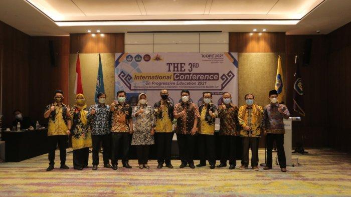 IIB Darmajaya dan Biddokkes Polda Lampung Gelar Vaksinasi