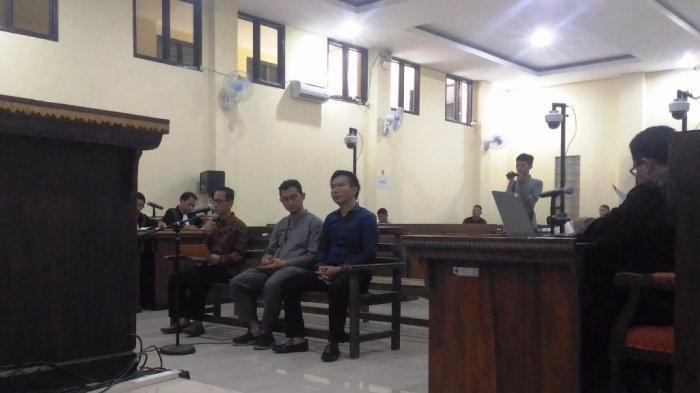 Kala Bupati Nonaktif Khamami dan sang Adik Berurai Air Mata di Sidang Suap Mesuji