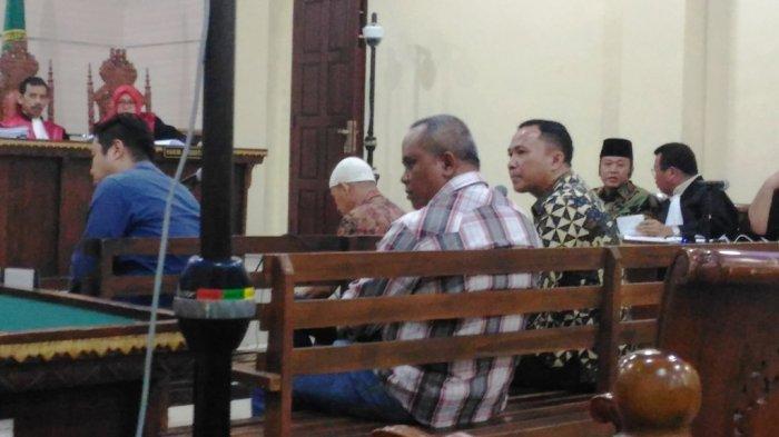 BREAKING NEWS - Anggota DPRD Bandar Lampung Wahyu Lesmono Mengaku Minta Proyek Lewat Agus BN