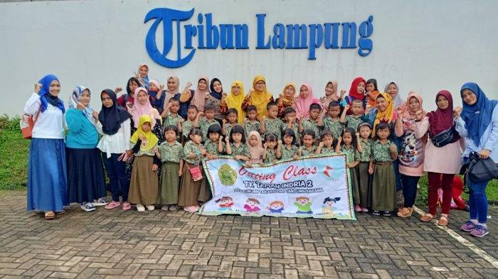 Siswa-siswi TK Taman Indria 2 Belajar Jurnalistik ke Tribun Lampung