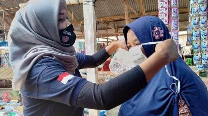 KPU Way Kanan Sosialisasi Pilkada 9 Desember 2020 di Pasar Tradisional