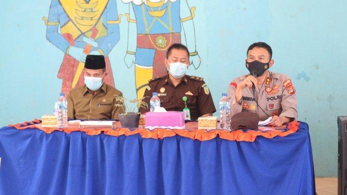 Kapolres Lamteng Sosialisasi Penegakan Disiplin di Dua Kecamatan