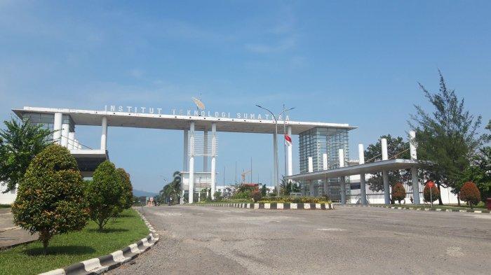Para Pimpinan Itera Bertolak ke Rumah Duka Prof Ofyar Z Tamin di Jakarta
