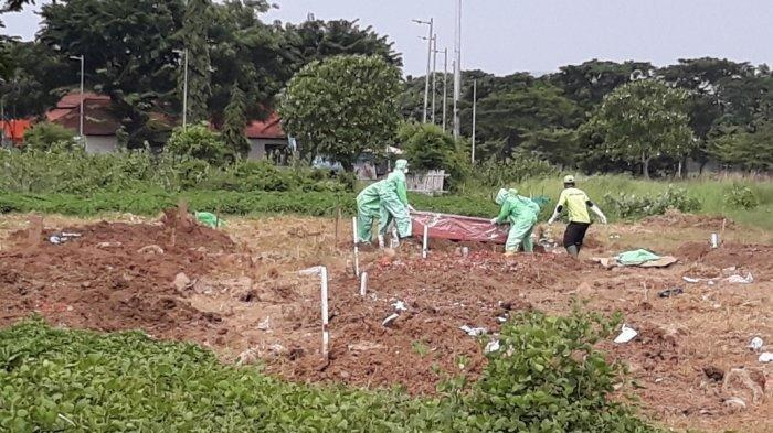 Sudah Kuburkan 25 Jenazah Pasien Virus Corona di Jakarta, Petugas Penggali Kubur Ungkap Cerita Haru