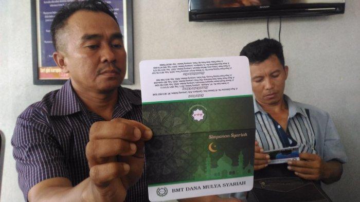 Suheri Menangis saat Lihat Kantor BMT Dana Mulya Syariah Tutup: Uang Saya Rp 100 Juta Hilang