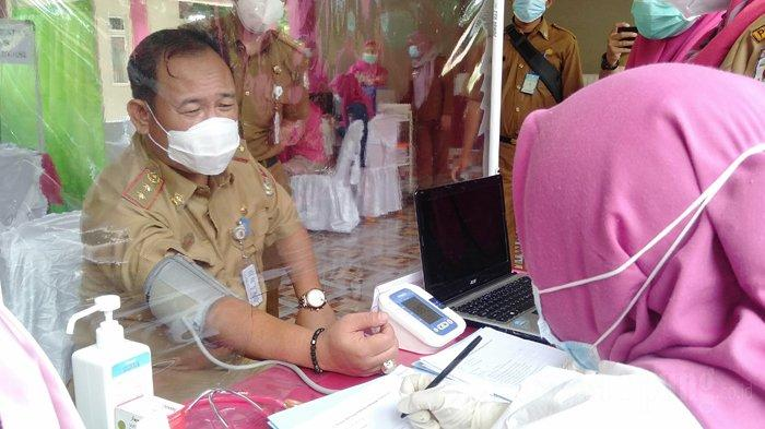 Tak Lolos Skrining Kesehatan, Sekkab Tulangbawang Batal Vaksinasi Covid-19