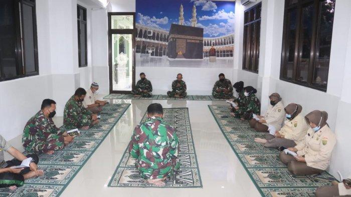 Tingkatkan Iman dan Taqwa, Kodim 0410/KBL Gelar Doa Bersama di Musala Makodim