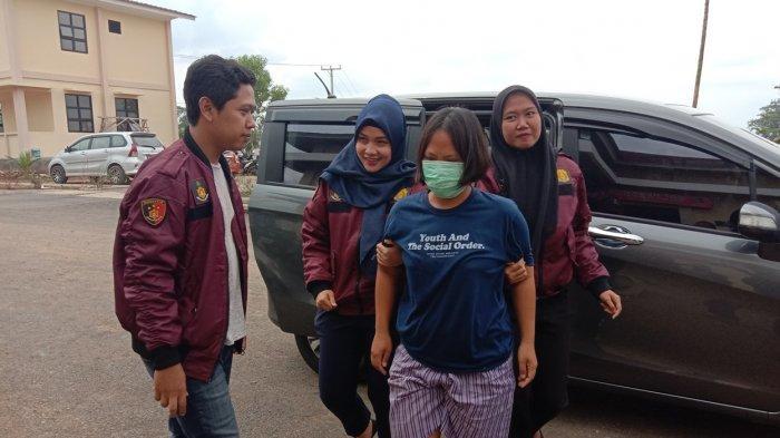 Tega Panggang Tangan Anak Tirinya, Ibu Tiri di Pesawaran Diusir Suami dan Kini Mendekam di Bui