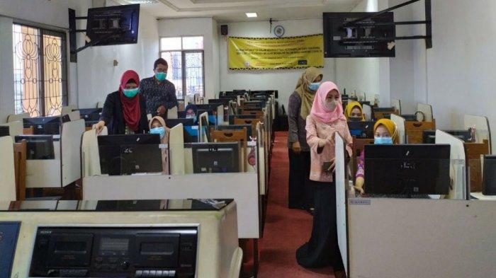 Guru MA Mathlaul Anwar Ikut Belajar di Laboratorium Dua Bahasa PTS Terbaik di Lampung Teknokrat
