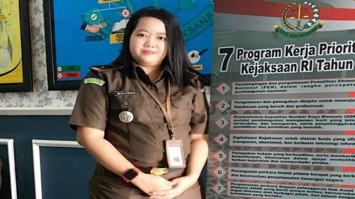 Alumni Universitas Teknokrat yang juga bekerja sebagai ASN di Kejaksaan yaitu, Melinda,S.Kom. Ia bertugas di Kejaksaan Tinggi (Kejati) Lampung. Melinda alumni Prodi Sistem Informasi ini menjabat sebagai Kepala Sub Seksi Bantuan Hukum pada Asisten Perdata dan Tata Usaha Negara.