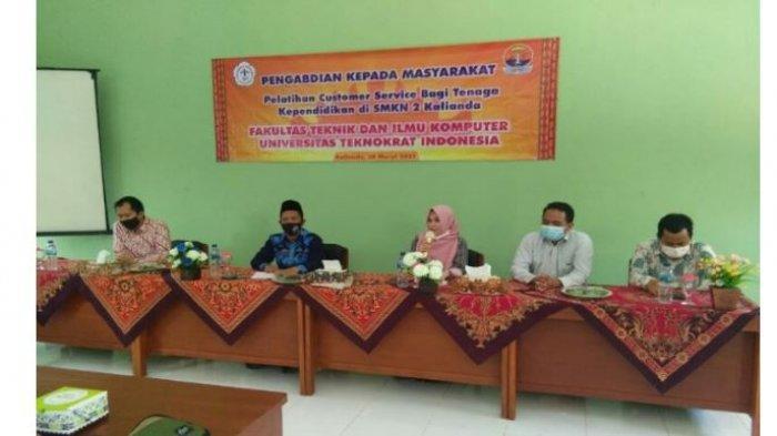 PTS Terbaik di Lampung, Universitas Teknokrat Gelar Program Sekolah Binaan di SMKN 2 Kalianda