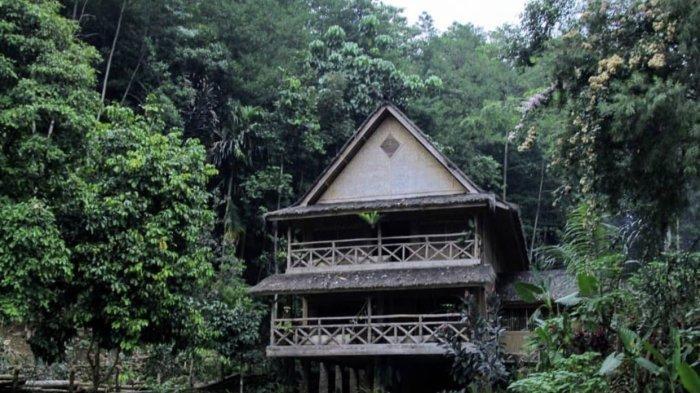 Tempat Wisata di Bandung, Rasakan Sejuknya Nuansa Bali di Vila Alam Sentosa