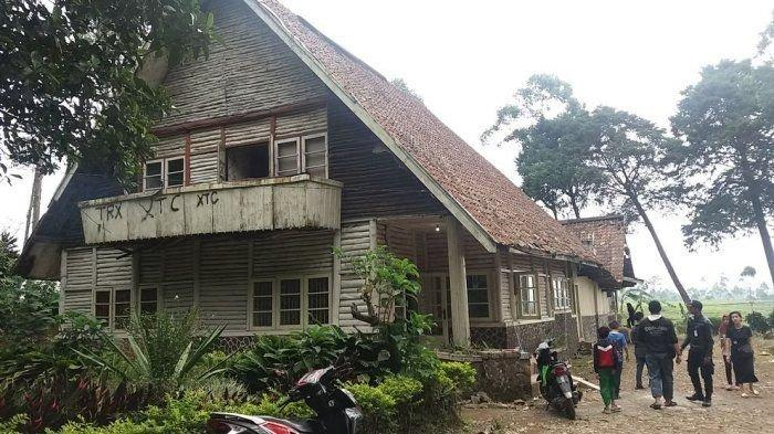 Tempat Wisata di Bandung, Intip Angkernya Rumah Pengabdi Setan di Bukit Pangalengan
