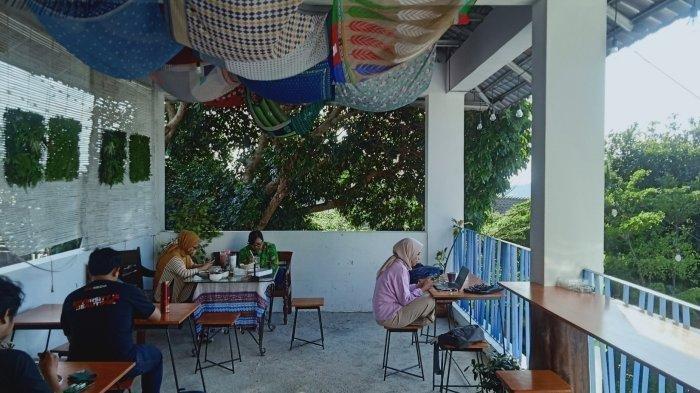 Tempat Wisata di Bandung, Ngopi di Sinih Kopi Serasa di Yunani
