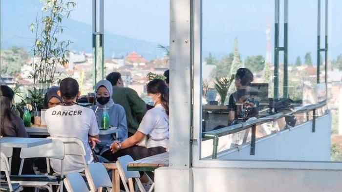 Tempat Wisata di Bandung, Asyiknya Kulineran dari Atas Rooftop di Ruv Bistro