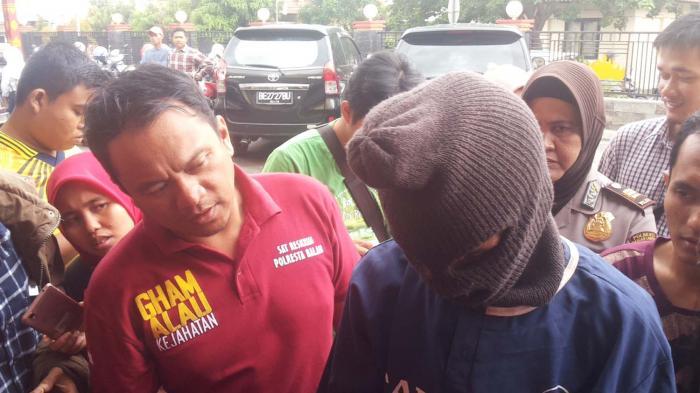 BREAKING NEWS: SR Cabuli Anak Kandungnya Saat Istri Pergi dari Rumah