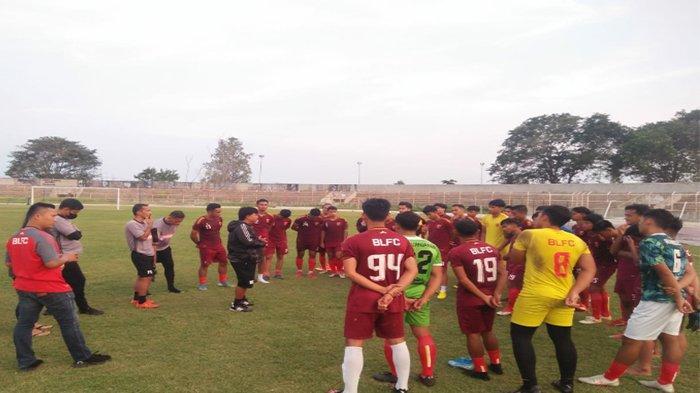 Coach Budiarjo Thalib Bangun Tema Permainan BLFC Untuk Liga 2