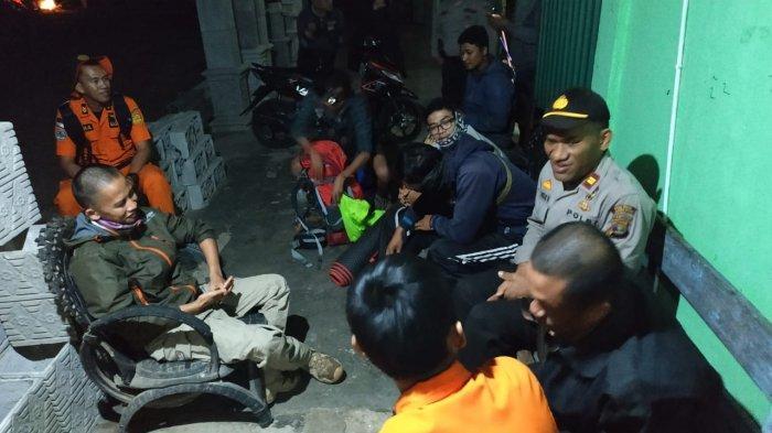 Tim Pencarian Gabungan Temukan 4 Pendaki di Gunung Seminung yang Tersesat