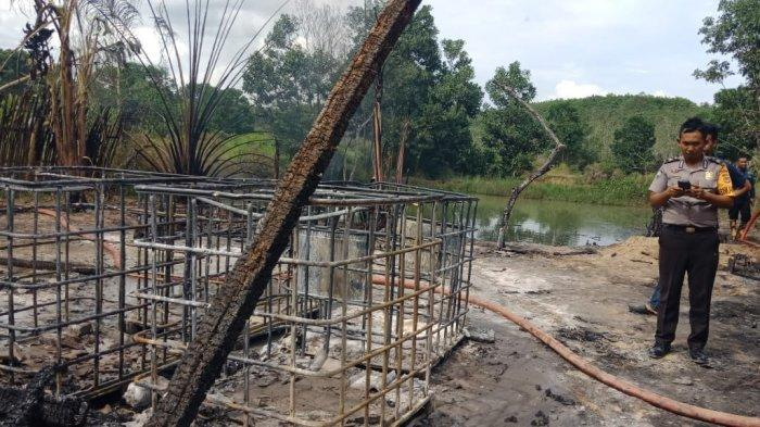 Olah TKP Kebakaran, Polisi Temukan Rangkaian Besi Tempat Penampungan Minyak