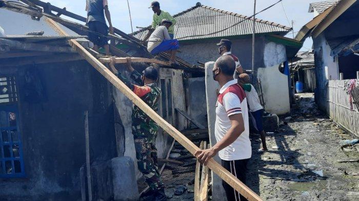 TNI-Polri Kirim Bantuan untuk Korban Puting Beliung di Pasir Sakti Lampung Timur Lewat Laut