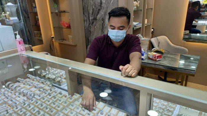 Pandemi Covid-19, Banyak Warga Bandar Lampung Jual Emas