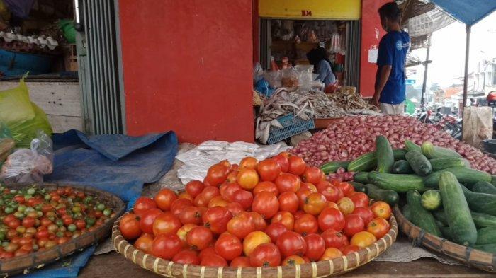 Melambung, Tomat di Pasar Talang Padang Lampung Rp 15.000/Kg