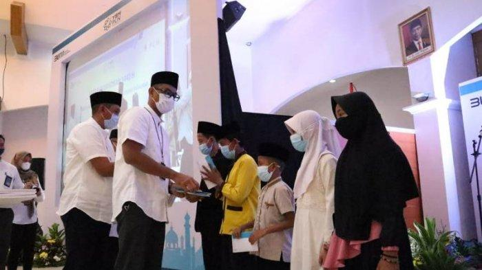 Total 320 Juta Rupiah, YBM PLN UID Lampung Santuni Mustahik