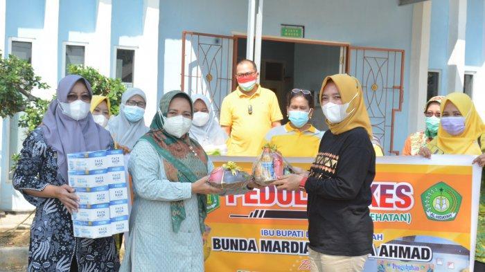 Mardiana Musa Ahmad Donasikan Bantuan bagi Nakes Lampung Tengah
