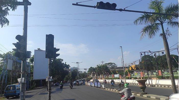 Traffic Light Simpang Terminal Rajabasa Padam, Pengguna Jalan Kalang Kabut