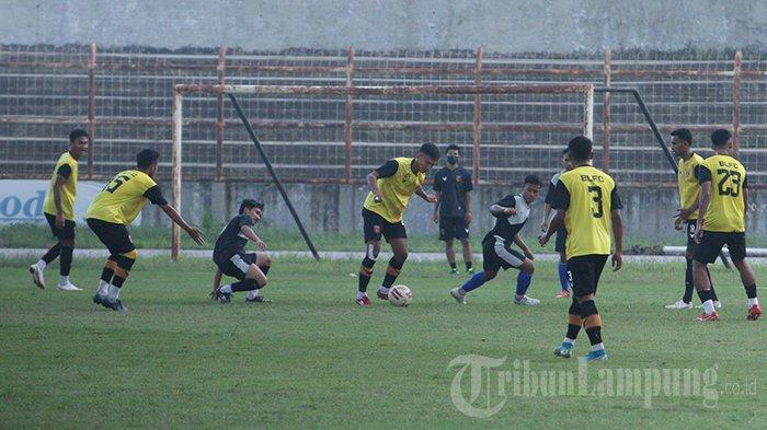 Transisi Permainan Badak Lampung FC Jadi Sorotan Pelatih saat Laga Uji Coba