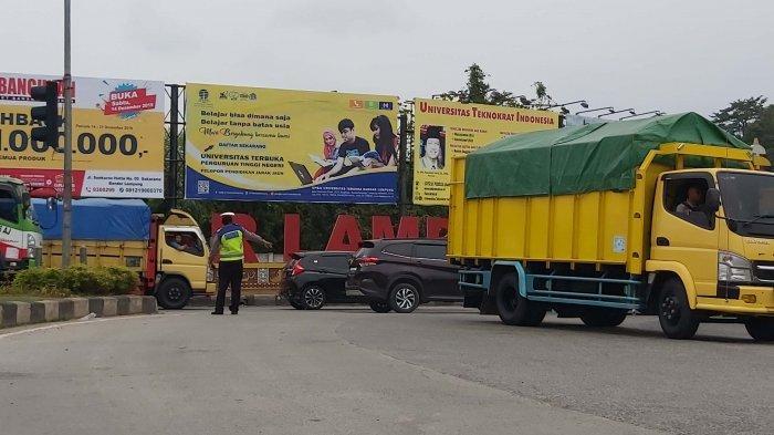 Pengendara Kebingungan Traffic Light Hajimena Natar-Bandar Lampung Dialihfungsikan