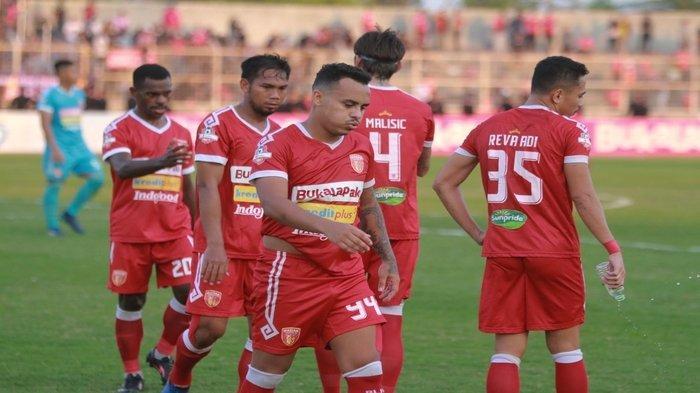 2 Gol Torres Bawa Barito Putera Ungguli Perseru Badak Lampung di Babak Pertama