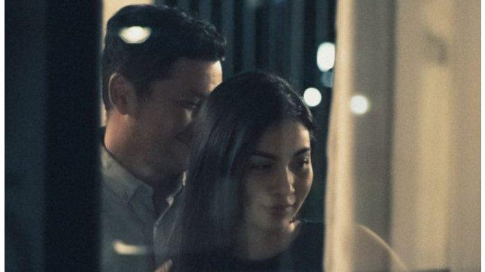 Unggah Foto Mesra Bersama Ariel Tatum, Gading Marten Tulis Kalimat Romantis