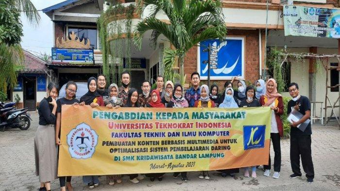 Sementara itu, Kepala SMK Kridawisata Ellyana Titin Gunawan, MPd, menyambut baik kegiatan PKM yang dilaksanakan oleh Universitas Teknokrat Indonesia. Dengan pembelajaran yang diberikan sangat membantu para guru.