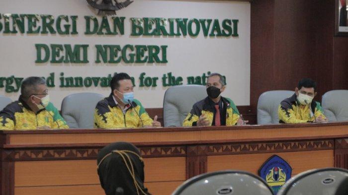 Rektor Unila Dukung Kontingen Mahasiswa Berlaga pada PON XX Papua