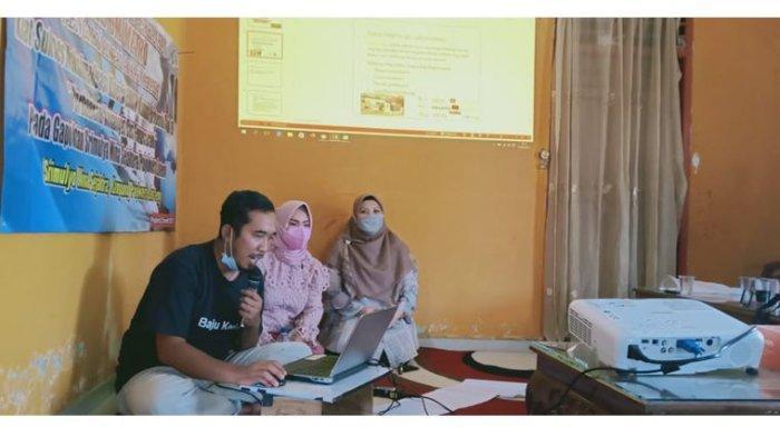 Jati Imantoro, S.E., M.Sy bertindak sebagai tutor dalam pembuatan dan maksimalisasi toko online kepada 10 anggota Pokdakan Srinara, dan Shopee digunakan sebagai platform dalam pelatihan.