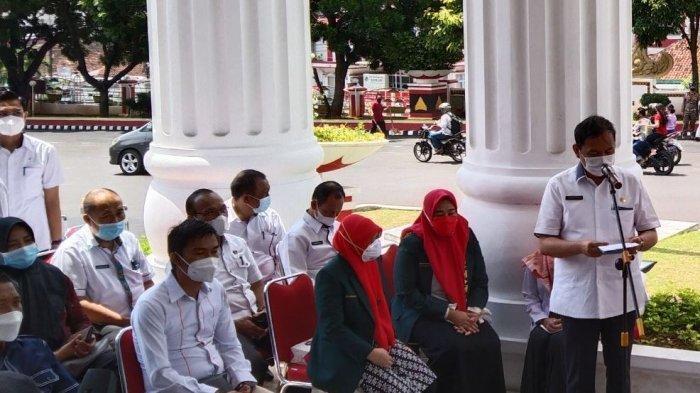 BREAKING NEWS Giliran Wali Kota Eva Dwiana Divaksinasi Covid-19