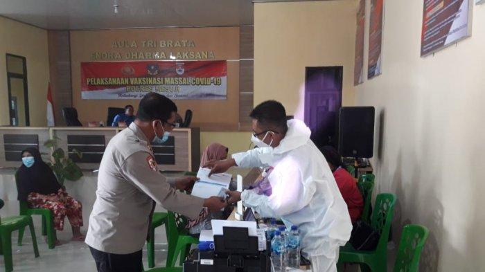 Jelang HUT Ke-75 Bhayangkara, Polres Mesuji Gelar Vaksinasi Massal