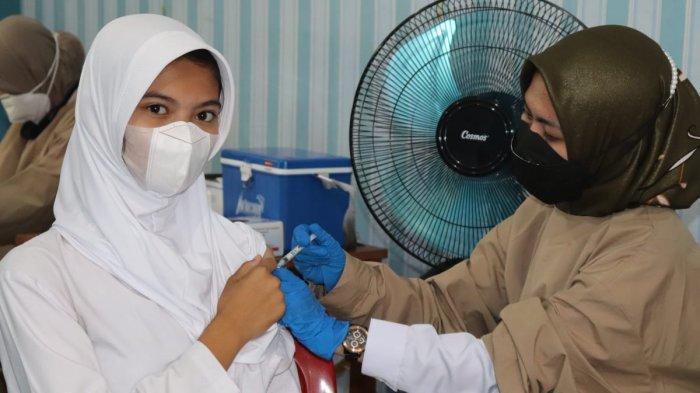 Polres Lampung Selatan Vaksinasi 528 Siswa SMAN 2 Kalianda