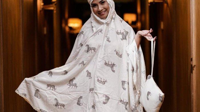 Vanessa Angel Banjir Kritik Setelah Promosikan Produk Mukena, Ustaz Riza Muhammad Beri Tanggapan