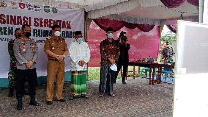 Vicon dengan Bupati Lampung Tengah, Jokowi Minta Vaksin Segera Dihabiskan