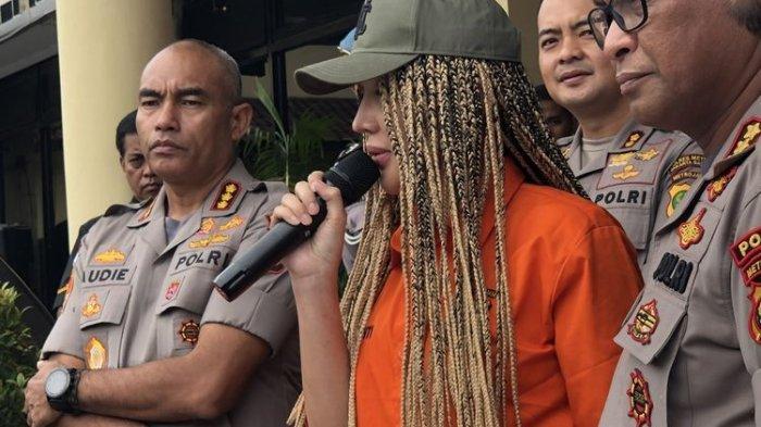 Video Detik-detikLucinta Luna Depresi Sebelum Ditangkap Polisi