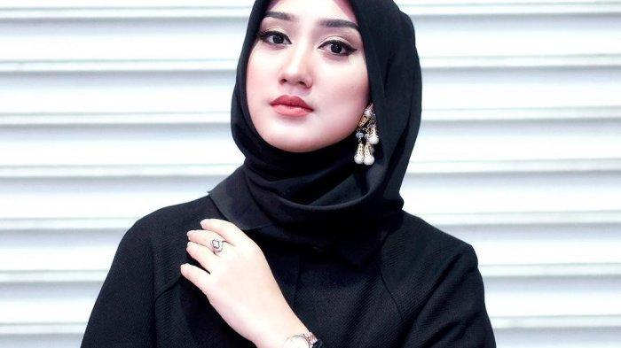 Video Tutorial Hijab Tren 2019 Ala Dian Pelangi Tribun Lampung