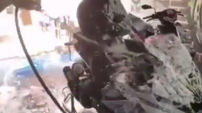 Viral Video Jasa Cuci Motor Plus Plus