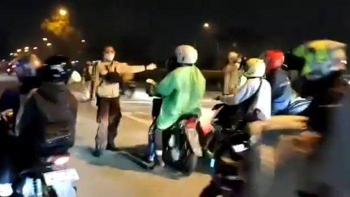 Pemudik Sepeda Motor Membeludak Melaju Bersamaan, Petugas Kewalahan