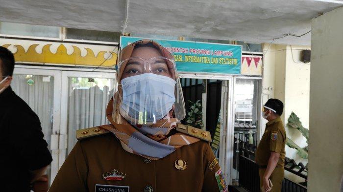 Wagub Nunik Salurkan Hak Pilih di TPS Karang Anom Lampung Timur